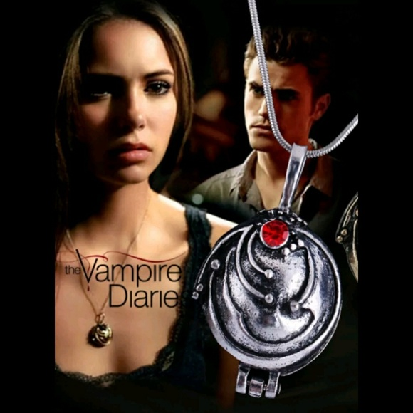 THE VAMPIRE DIARIES VERVAIN LOCKET NECKLACE NEW NWT